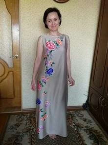 Шелк Армани Вышитые цветы на беж (купон 72 см)